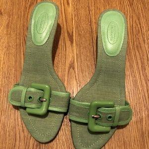 Talbots Women's Size 7.5 Kitten Heels  Green